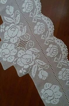 Filet Crochet, Crochet Lace, Bead Loom Patterns, Crochet Curtains, Loom Beading, Doilies, Diy And Crafts, Cross Stitch, Lace Knitting