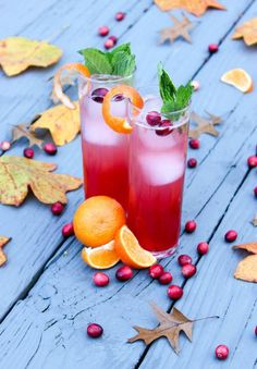 Cran-Orange Gin-Gin Mule | Perfect for a little holiday cheer! Check out this recipe and create these delicious drinks. | The Produce Moms Citrus Recipes, Cranberry Recipes, Orange Recipes, Holiday Recipes, Fruity Drinks, Fun Drinks, Yummy Drinks, Beverages, Gin