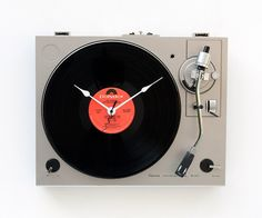 Recycled Sansui Turntable Clock by pixelthis on Etsy, $137.00