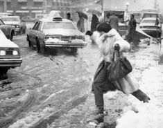 vintage everyday: Winter Storm Janus Hits NYC – 27 Impressive Pictures of Blizzards & Snowfalls in New York City History