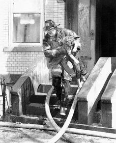 """""""Made the grab"""". This amazing image was sent to us by a friend. I've tried to look up info on this and other photos that he was kind enough to share with us, to no avail. If you have any further info on this photo please feel free to comment. shared by www.nyfirestore.com"""