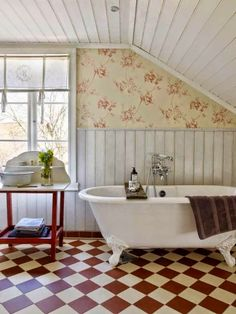 365 Best Country Cottage Bathroom Images On Pinterest | Home Decor, Bathtub  And Decorating Bathrooms