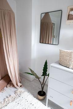 Style and Sugar Baby Bedroom, One Bedroom, Kids Bedroom, Bedroom Ideas, Diy Home Decor, Room Decor, Floating Nightstand, Interior Styling, Baby Kids