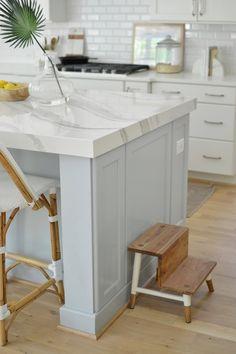 Updated Kitchen, New Kitchen, Kitchen Dining, Kitchen Decor, Kitchen Interior, Dining Room, Quartz Kitchen Countertops, White Countertops, Kitchen Ideas Quartz