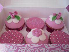 Pink Fondant Rose Cupcakes