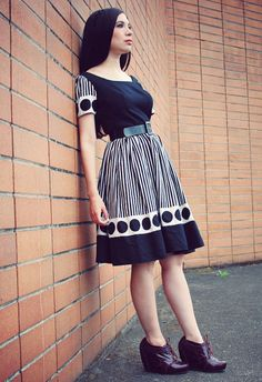 Awesome black and white vintage dress on Nubby Twiglet