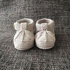 Sandalias de bebé tipo patucos a dos agujas   Manualidades