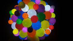 Una compra de una bombilla LED con 50.000 horas de energía es mucho más rentable que comprar 50 bombillas incandescentes aunque tengan la misma potencia. Luz Led, Learning Colors, Kids Events, Nursery Rhymes, How To Make, Seattle, Gift, Saving Money, Led Lights Bulbs