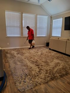 Carpet Tiles, Rug Cleaning, Shag Rug, Rugs, Home Decor, Shaggy Rug, Farmhouse Rugs, Decoration Home, Cleaning Carpets