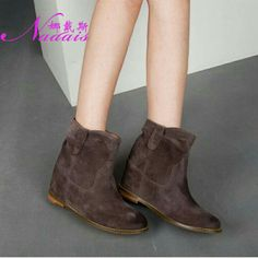 Fashion boot, if you like, please feel free to contact me. Email:13580337328@163.com