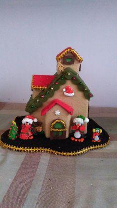 Diy Christmas Ornaments, Felt Christmas, Christmas Home, Holiday Crafts, Christmas Decorations, Crochet Keychain Pattern, Crochet Basket Pattern, Art For Kids, Crafts For Kids