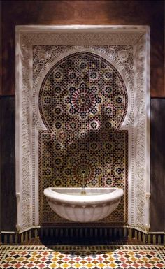 Gorgeous fountain in La Mamounia. Marrakesh.