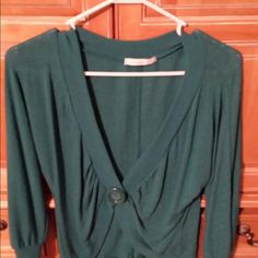 Charlotte Russe teal cropped cardigan Beautiful teal cropped cardigan worn twice fits like a medium Charlotte Russe Sweaters Cardigans