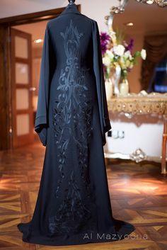 Al Mazyoona Black Gold Beaded Embroidered Abaya Dubai Arabic Jalabiya Khaleeji… Arab Fashion, Islamic Fashion, Dubai Fashion, Muslim Fashion, Modest Fashion, Mode Abaya, Mode Hijab, Muslim Dress, Hijab Dress