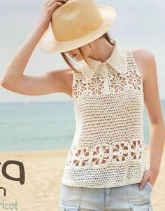 crochet White top decorated with flower rows and a small collar