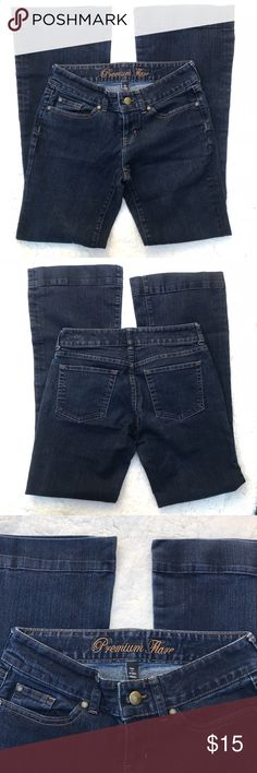 GAP PREMIUM FLARE JEANS Gap premium flare jeans. Size 2/26w. These jeans are in great used condition no holes, rips etc. Laid flat the jeans measure 15 2/2 waist 32 inseam. Thank you for looking and happy shopping. Remember bundles and reasonable offers are always welcome. GAP Jeans Flare & Wide Leg