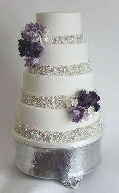 THIS IS AMAZING!!!!!!!Gorgeous Winter Wedding Ideas in Silver Theme-----