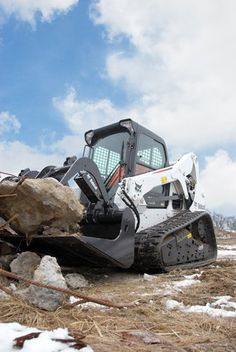 Bocat Compact Tracked loader - Applying over 50 years of leadership in the design ad construction of compact equipment to push it to het next level Tools And Equipment, Heavy Equipment, Excavation Equipment, Bobcat Equipment, 10 Gallon Fish Tank, Bobcat Company, Caterpillar Excavators, Aquaponics Diy, Aquaponics System