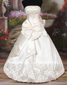 <3 i want this wedding dress its soooooooooooooooooo...........peng<3