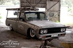 mazda ute on air front side