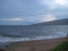 A pic I took on Maui beach. @MauiKindaDay
