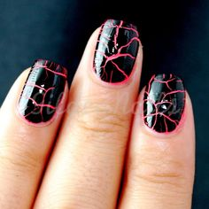 These are so cute and easy to do! Edgy Nails, Cute Nails, Crackle Nails, Fabulous Nails, Beauty Hacks, Beauty Tips, Mani Pedi, Hair And Nails, Matte Nails