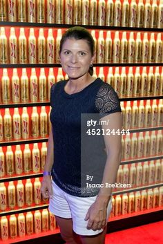 Mia Hamm arrives at Bud Light's ultimate FIFA World Cup viewing party on July 2014 in Las Vegas, Nevada. Get premium, high resolution news photos at Getty Images Barcelona Soccer, Fc Barcelona, Mia Hamm, Alex Morgan Soccer, Cristiano Ronaldo Lionel Messi, Soccer Girl Problems, Manchester United Soccer, Soccer Quotes, Soccer Tips