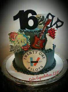 I WANT THIS CAKE HOLY HELL YESS BUT WITH FALL OUT BOY AND MY CHEM<<< u exact thoughts