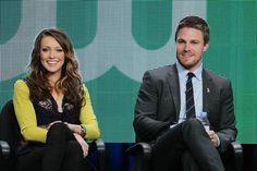 Katie Cassidy hot photo - Katie Cassidy sexy picture - Katie Cassidy and Stephen Amell at Arrow press event picture #15 of 32