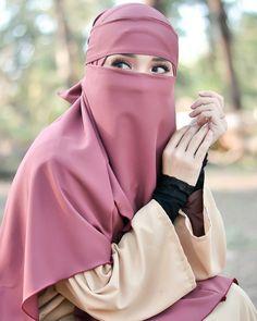 Hijab Niqab, Muslim Hijab, Mode Hijab, Hijab Outfit, Hijab Dress, Arab Girls Hijab, Muslim Girls, Beautiful Muslim Women, Beautiful Hijab