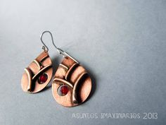 Asuntos imaxinarios Jewelry 2013. Copper, stainless steel and faceted glass bead
