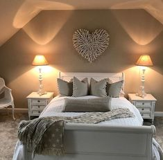 Stunning Grey and Silver Bedroom Ideas To Inspire You . - Stunning Grey and Silver Bedroom Ideas To Inspire You Home Decor Bedroom, Bedroom Makeover, Bedroom Decor, Beautiful Bedrooms, Small Master Bedroom, Home, Bedroom Design, Home Bedroom, Home Decor
