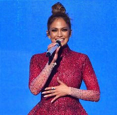 Trending Hairstyle: Top-knot bun hair. Jennifer Lopez at American Music Awards 2015 AMAs.