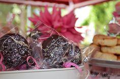 Mesa Dulce para Lucía Chocolate, Food, Candy Buffet, Candy Stations, Food Recipes, Mesas, Meal, Schokolade, Essen