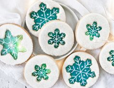 Repost from – These stained glass snowflake cookies seem appropriate for this … Christmas Sugar Cookies, Christmas Sweets, Holiday Cookies, Christmas Ideas, Christmas Candy, Christmas 2019, Vintage Christmas, Xmas, Sugar Glass