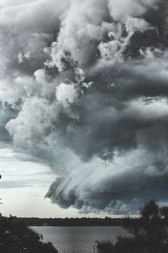 Death by Elocution — banshy: Storm Clouds // Wes Hooper - (Cloudy Weather colors on the wall, blend well with the blackish & white rooms - the cloudy scene! Rain Storm, Storm Clouds, Sky And Clouds, Thunder Clouds, All Nature, Science And Nature, Amazing Nature, Tornados, Thunderstorms