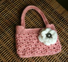 crochet small purse patterns free | Tampa Bay Crochet: Free Easy Crochet Purse Pattern