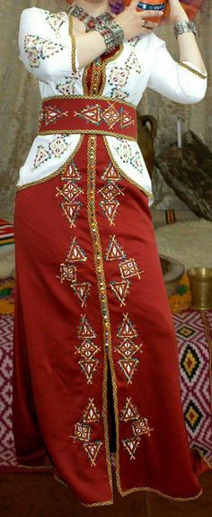 Fashion Flats, High Fashion, Womens Fashion, Muslim Women, Traditional Dresses, Party Wear, Chiffon, Street Style, Gowns