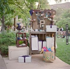 Amazing gift table at this DIY wedding! | CHECK OUT MORE IDEAS AT WEDDINGPINS.NET | #weddings #weddingdecor #weddingdecoration #decor #decoration #events #forweddings