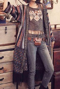 awesome Boho Look, Kimono com franja, camiseta com franja, estilo boho, hippie chic... by http://www.globalfashionista.xyz/hippie-fashion/boho-look-kimono-com-franja-camiseta-com-franja-estilo-boho-hippie-chic/