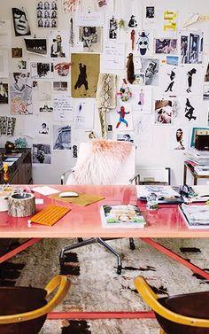 Pink desk in pretty office!