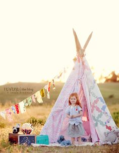 very cute way to display a quilt - Quilt Teepee - and the kids will all want one.