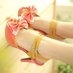 Normally I do not like heels , but I love these shoes! Cute Sandals, Cute Shoes, Me Too Shoes, Bow Sandals, Red Bow Heels, Red Bows, Stiletto Heels, Shoes Heels, Platform High Heels