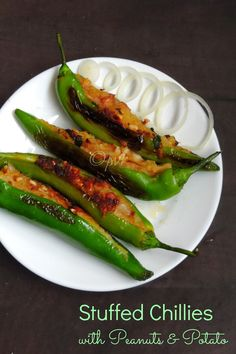 Stuffed Chillies with Peanuts & Potato Chilli Recipes, Indian Food Recipes, Chutney Recipes, Vegetarian Food List, Indian Appetizers, Indian Snacks, Bangladeshi Food, Desi Food, Thing 1