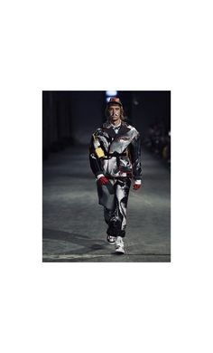 Huuko Koski opening Polimoda Fashion Show, Model Fashion Show, Menswear, Street Style, Model, How To Wear, Urban Style, Scale Model, Street Style Fashion