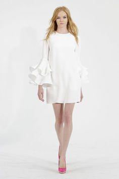 Krátké trendy svatební šaty 2015.