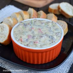 Philly Cheese Steak Queso Dip - the taste of a Philly Cheese Steak sandwich in a melted queso dip(deli roast beef & white velveeta) Tasty Dishes, Food Dishes, Philly Cheese Steak Sandwich, Tailgate Food, Tailgating, Grilled Cheese Recipes, Chicken Fajitas, Yummy Snacks, Yummy Food