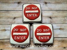Cookies for 16th birthday Road Signs or New Driver Cookies www.sweetshindigs.com