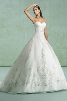 Sweetheart Pleated Bodice A Line Embriodery White Wedding Dress