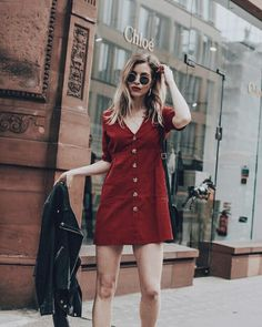red dress with leather jacket Summer Fashion Trends, Spring Summer Fashion, Autumn Fashion, Spring Style, Summer Fashions, Fashion Ideas, Fashion Pants, Fashion Outfits, Womens Fashion